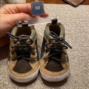 Newborn Baby B'gosh booties NB
